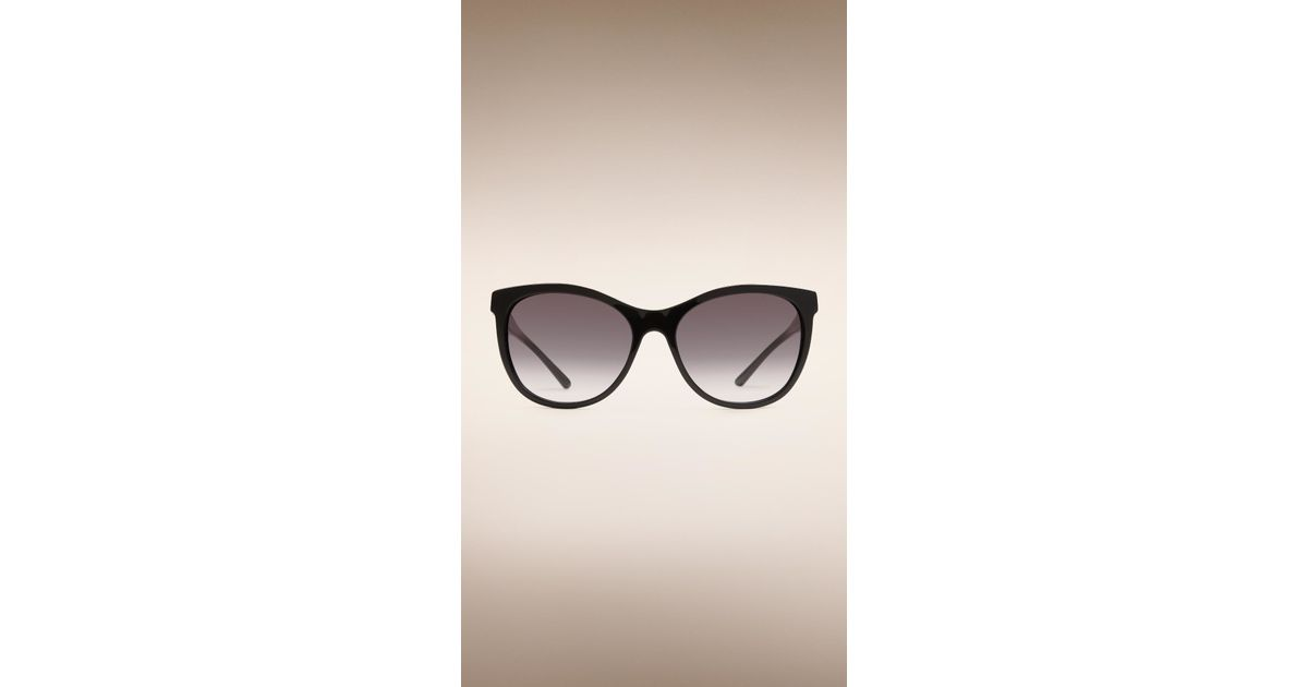 0b570671929 Lyst - Burberry Check Detail Cat-eye Sunglasses Black in Black