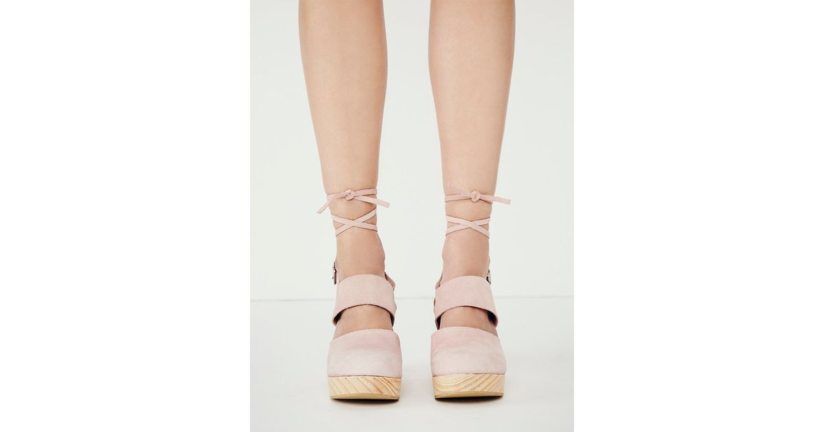 be360a8609 Free People Belmont Leather Clog in Pink - Lyst