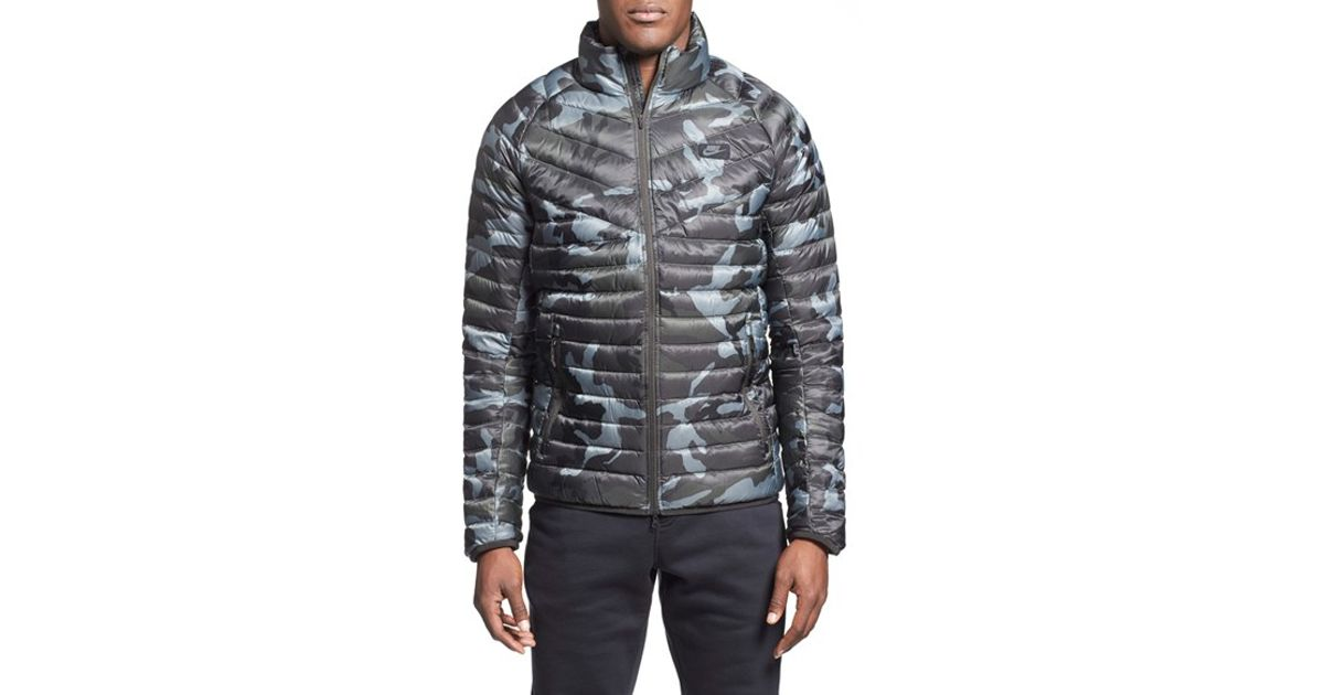 nike 39 guild 550 39 camo print quilted down jacket in gray. Black Bedroom Furniture Sets. Home Design Ideas