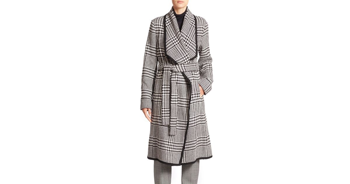 cf5704345a363 ESCADA Houndstooth Belted Wool Coat in Gray - Lyst