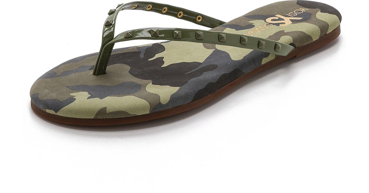 f4d6a9f78e88d7 Lyst - Yosi Samra Roee Studded Camo Flip Flops - Limette in Green