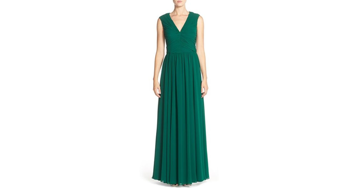 5e527f242f3 Vera Wang Ruched V-Neck Chiffon Gown in Green - Lyst