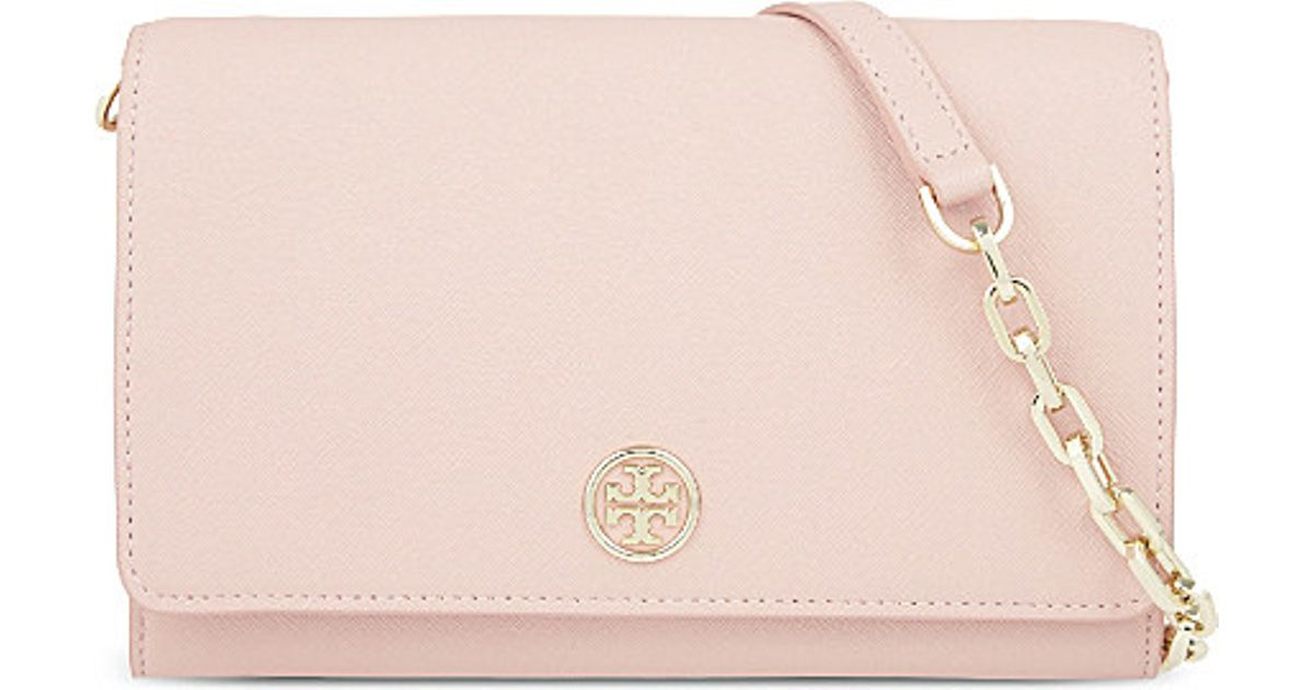 d08efc8a2e19 ... promo code for lyst tory burch robinson leather chain wallet in pink  6ea99 db2cf ...