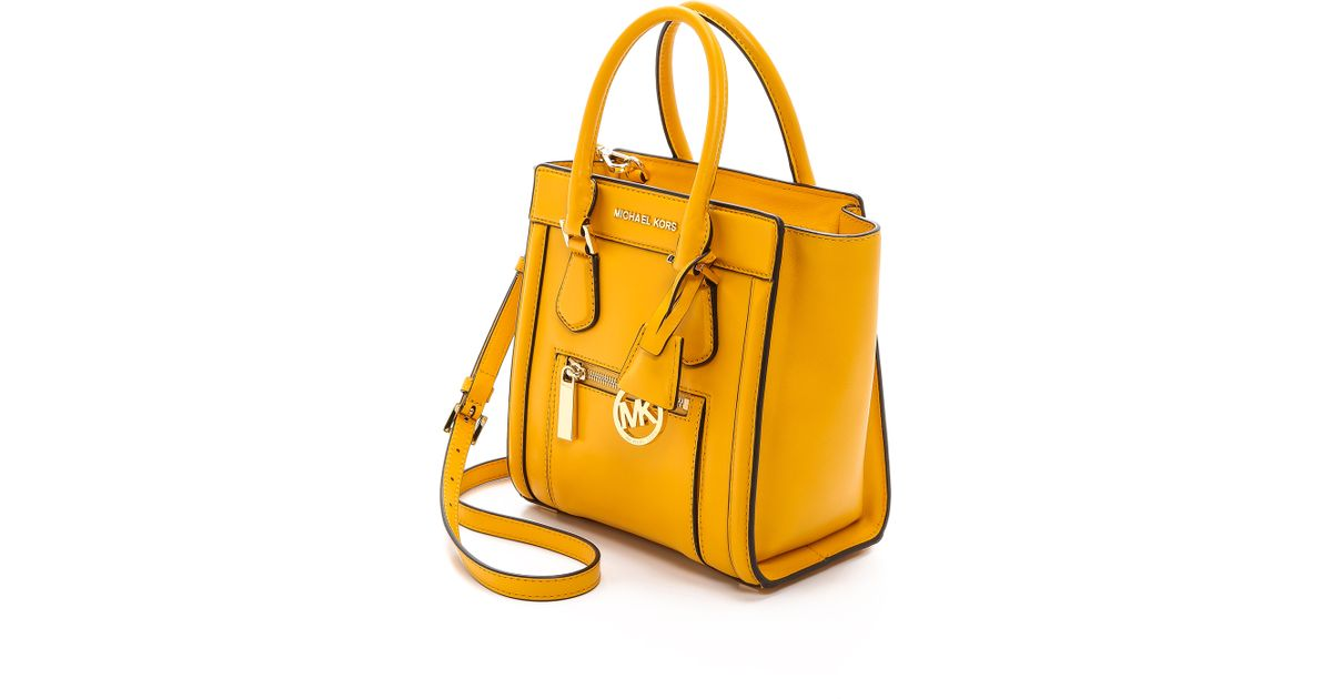 75a63c91eb7917 ... new zealand lyst michael michael kors colette medium messenger bag  chili in yellow 04ef0 618a3