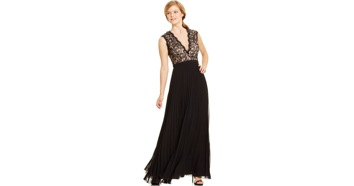 Lyst - Xscape Deep-v Lace Pleated Gown in Black