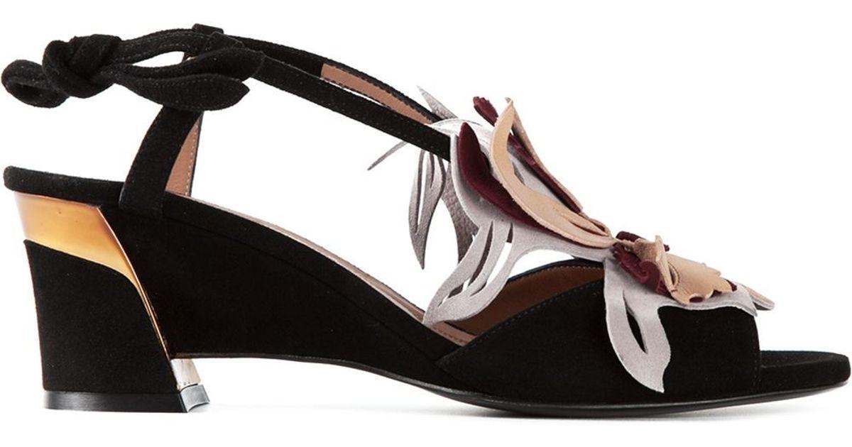 f962bee3623af Marni Appliqué Flower Sandals in Black - Lyst