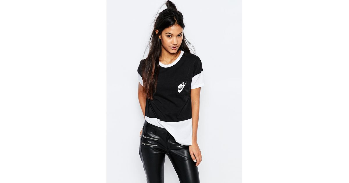 8b896107a7ec Nike Small Logo Oversized Signal T-shirt With Colour Block - Black in Black  - Lyst