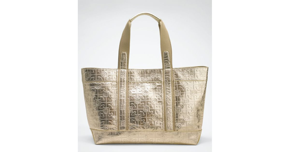c353a0d9b81 Tory Burch Metallic Embossed Tory Beach Tote in Metallic - Lyst