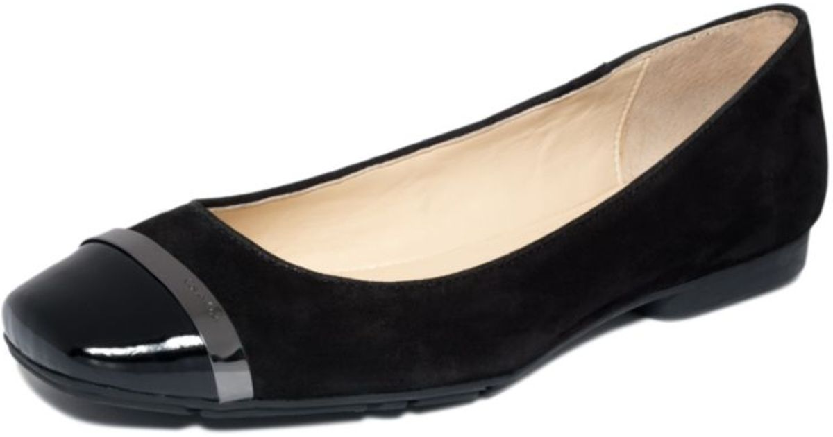 87be8a1b7118 Calvin Klein Pash Flats in Black - Lyst