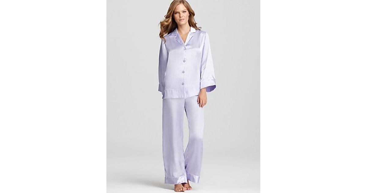 Lyst - Oscar De La Renta Romantic Holiday Solid Charmeuse Pajama Set in  Purple 05dc9b8b7