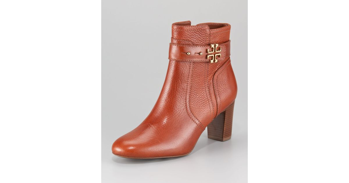 245d109edb52 Lyst - Tory Burch Elina Logo Ankle Boot in Brown
