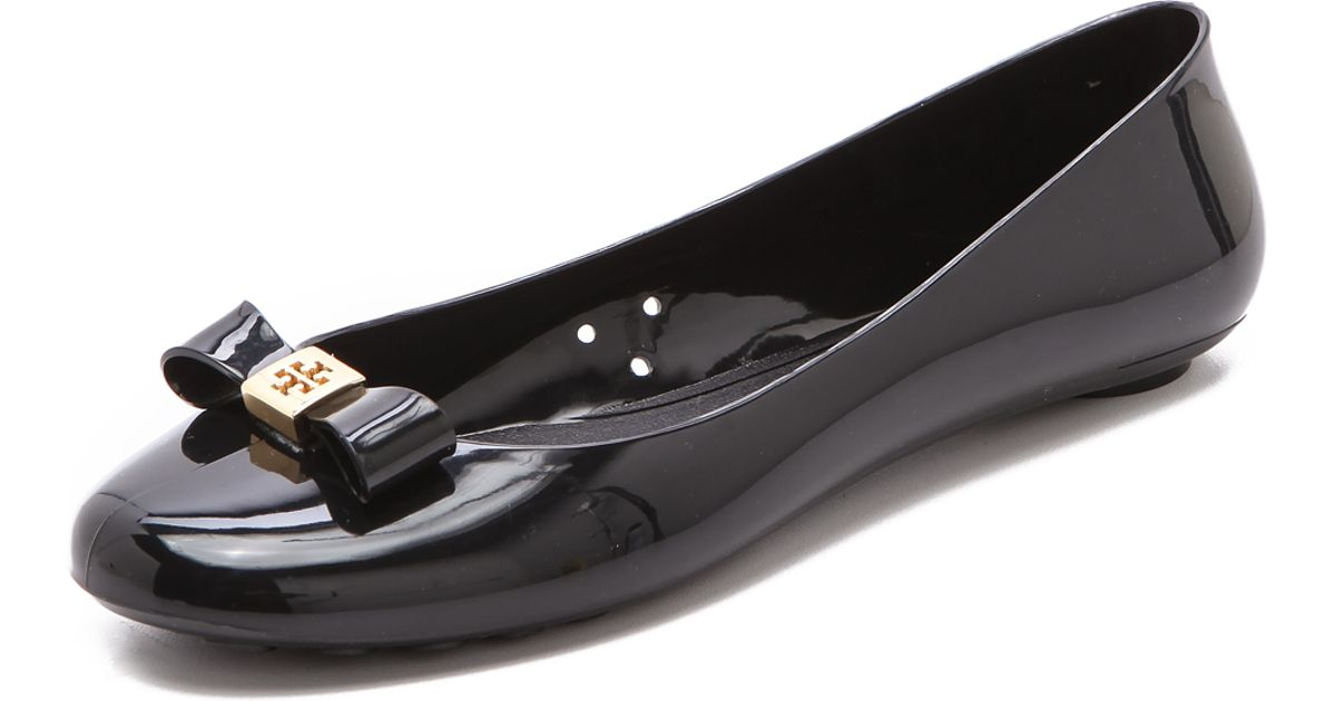 4a7facf1e13 Lyst - Tory Burch Jelly Bow Ballet Flat in Black