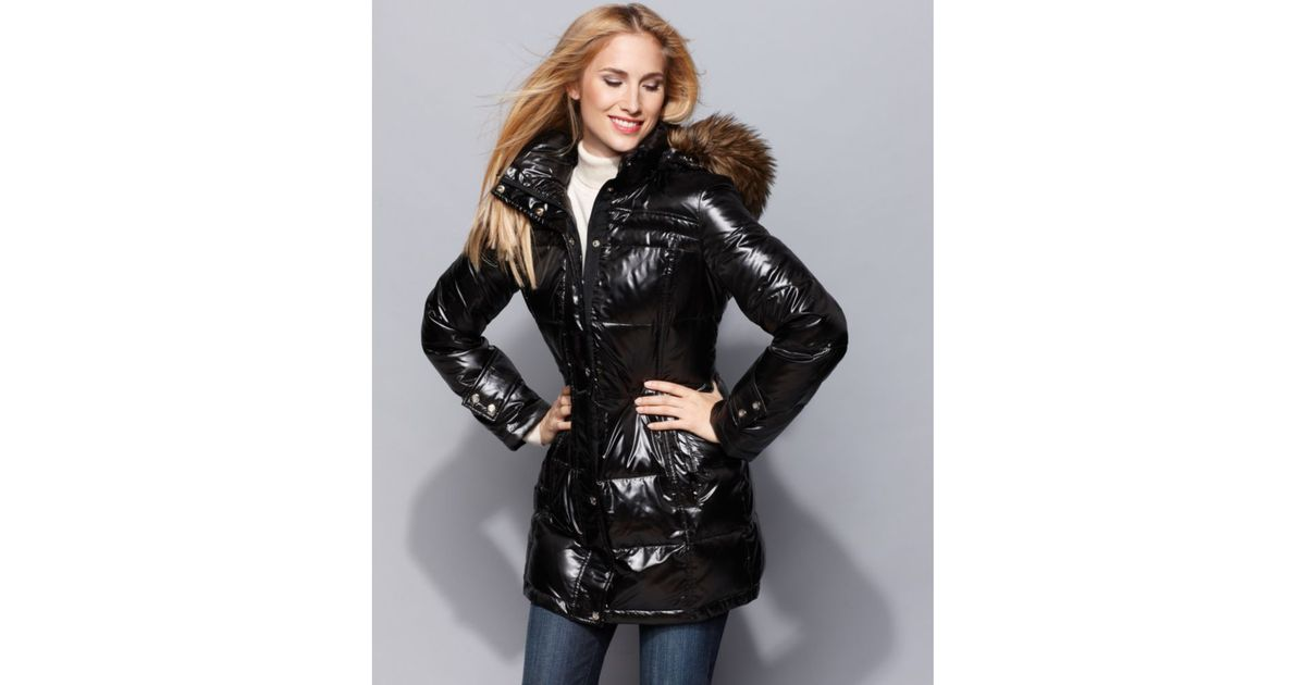 19f9797b2ef1 Lyst - Calvin Klein Shine Hooded Faux Fur Trim Quilted Down Puffer in Black