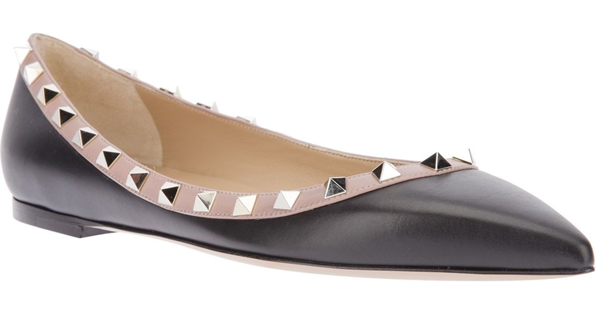 cc3db8e88e36 Valentino - Black Studded Flat Shoe - Lyst