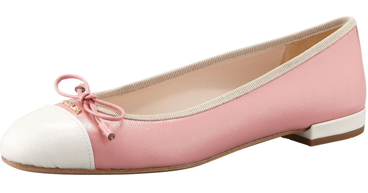 Pink light flat shoes