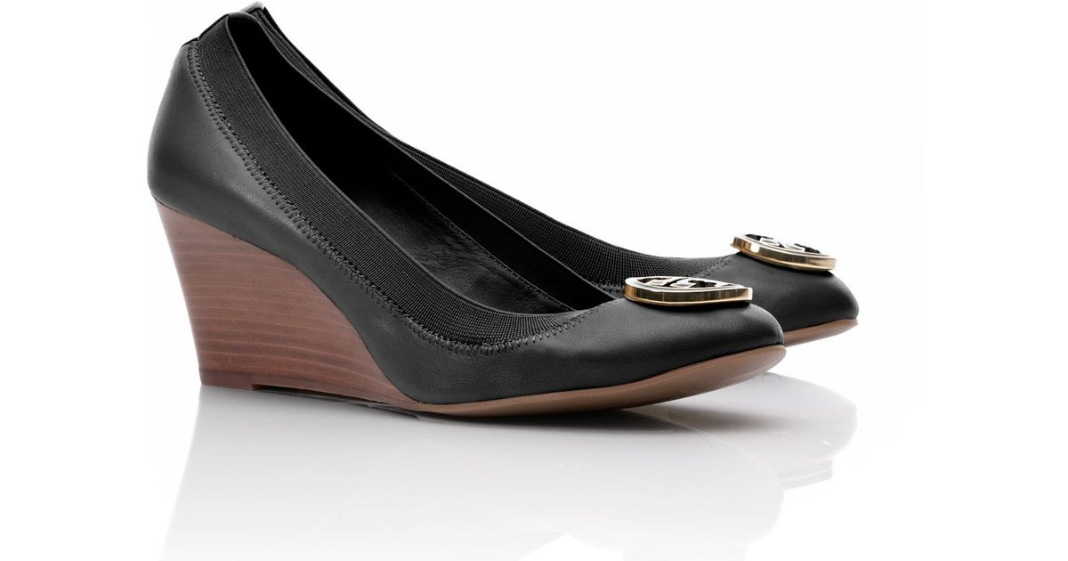 1781f6a21e91a Lyst - Tory Burch Caroline Wedge in Black