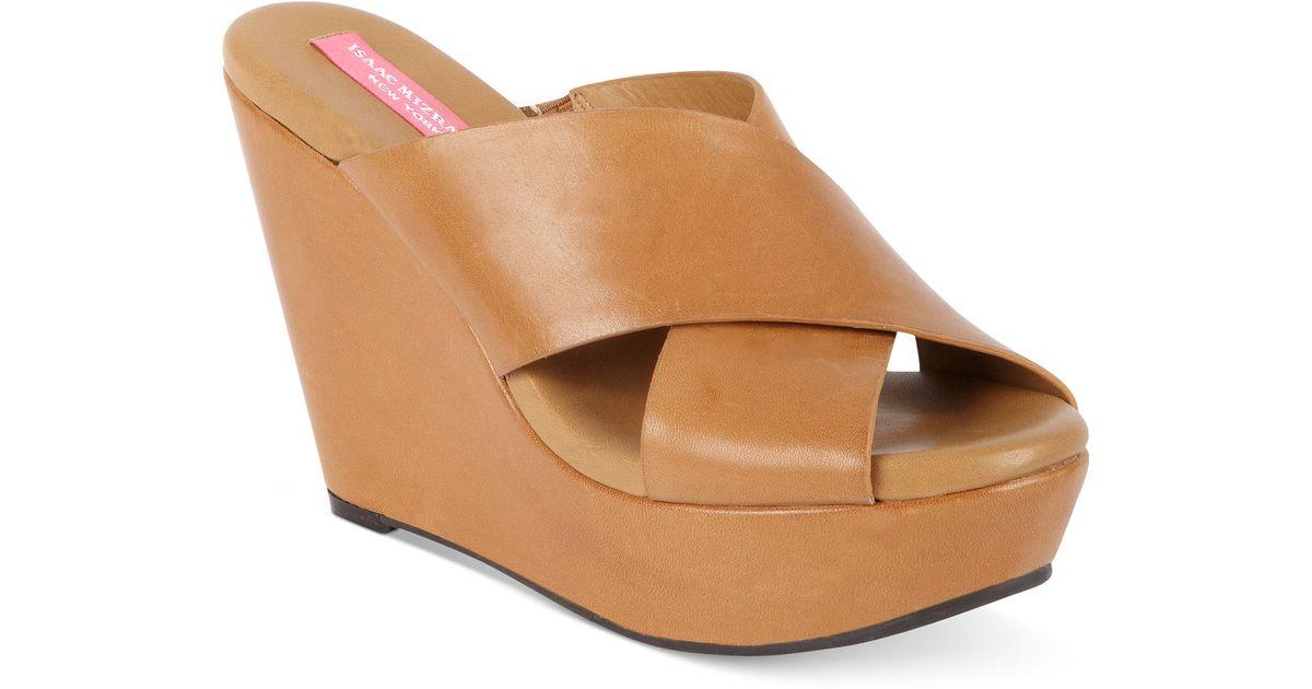 4e5034c26d92 Lyst - Isaac Mizrahi New York Cora Platform Wedge Slide Sandals in Brown