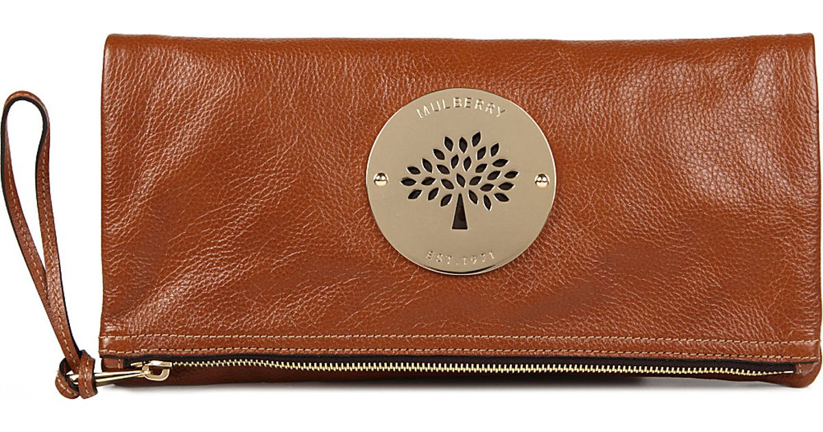 4147113a2edc Mulberry Daria Spongy Leather Clutch in Brown - Lyst