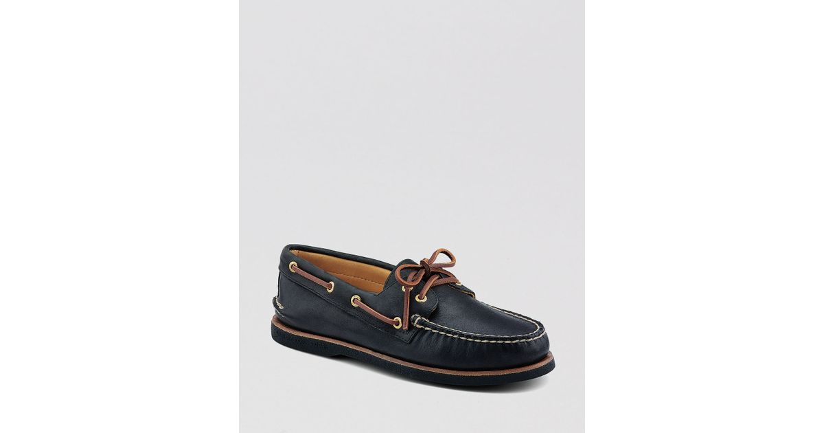 · I have purchased Sperry Top-Sider Deck Shoes for over 40 years and these are the best deck shoes I have owned. They are extremely confortable and the first time I wore them my foot molded to the shoe. It was not necessary for a break-in period like most shoes.