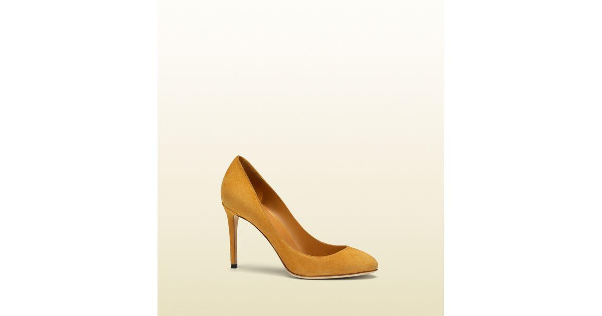 c7ab4694d3f Lyst - Gucci Jennifer Suede Pump in Yellow