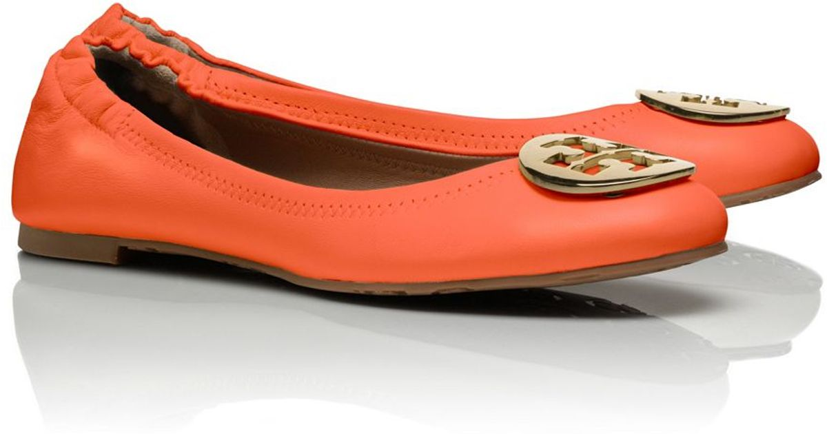 d83b353ee20 Tory Burch Reva Ballet Flat in Orange - Lyst