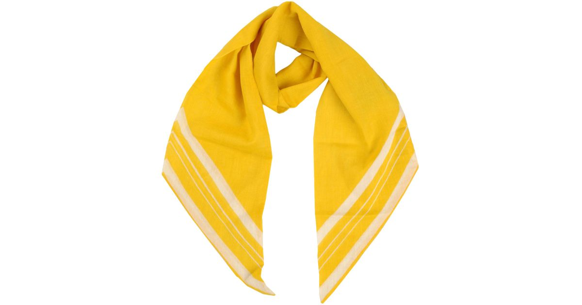 closed oblong scarf in yellow lyst