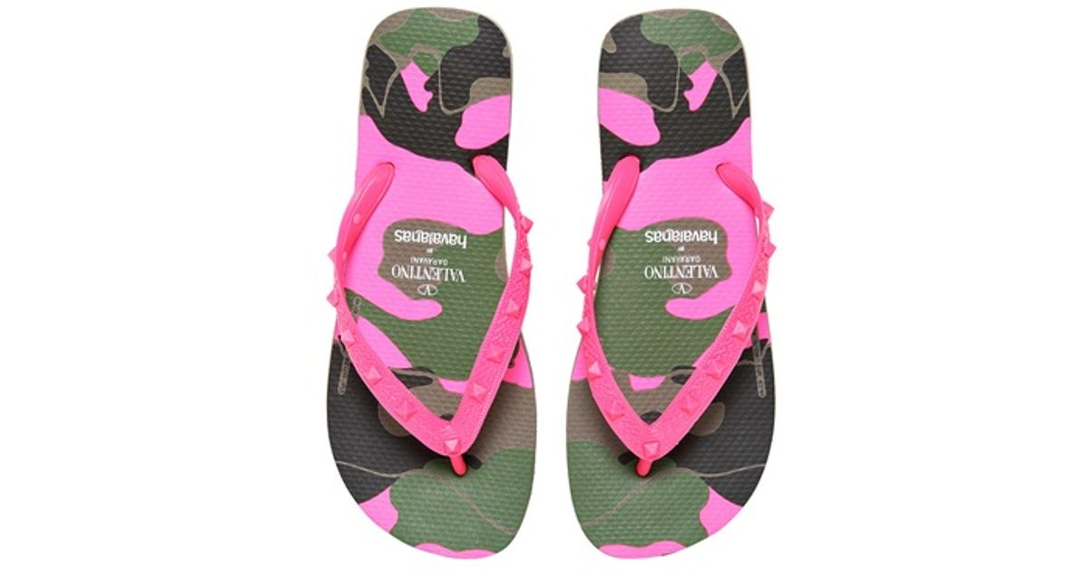1bf87c12fd0c Lyst - Valentino Studded Rubber Camou Print Flip Flops in Pink for Men
