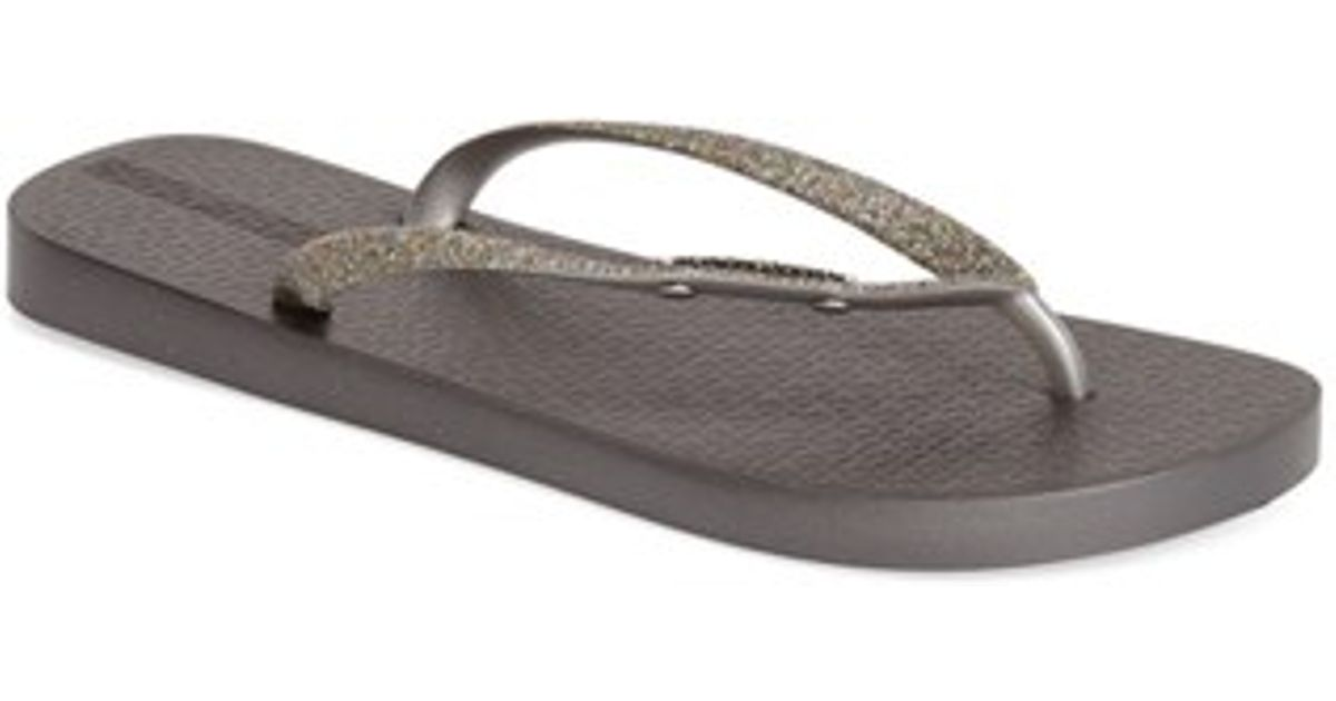 ipanema 39 glitter 39 flip flop in silver lyst. Black Bedroom Furniture Sets. Home Design Ideas