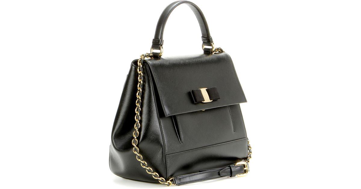 0b16a6719e89 Ferragamo Carrie Leather Bag in Black - Lyst