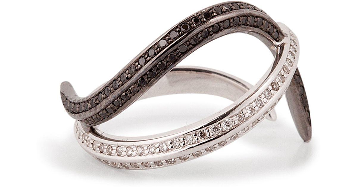 nikos koulis 18kt gold thumb ring with black and white