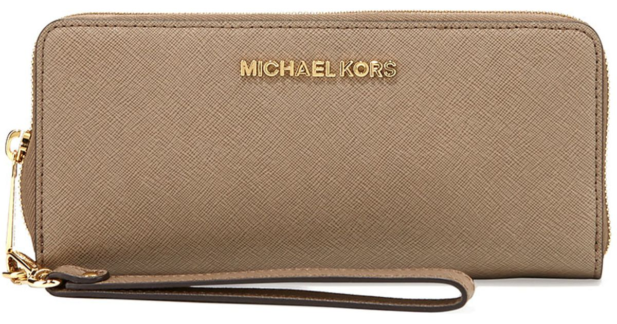 bc68f5a5a9664 Lyst - MICHAEL Michael Kors Jet Set Travel Continental Wallet in Gray