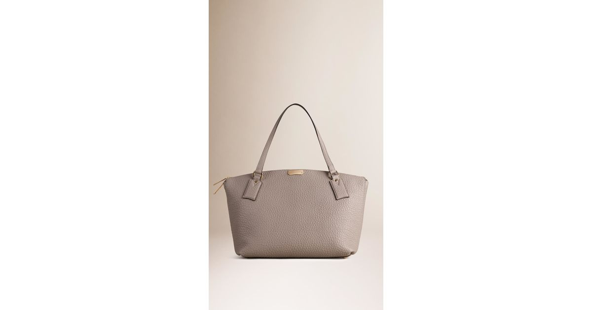 cee412ca571e Lyst - Burberry Medium Signature Grain Leather Tote Bag Pale Grey in Gray