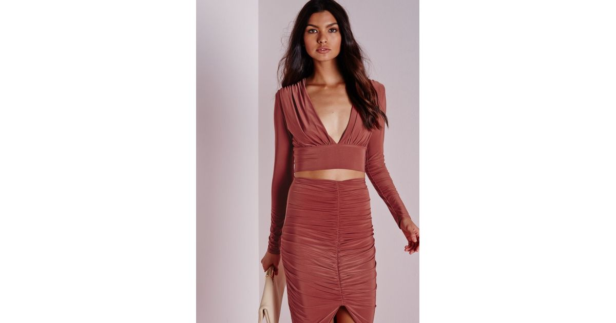 3549c7a185565c Lyst - Missguided Long Sleeve Slinky Plunge Crop Top Terracotta in Red