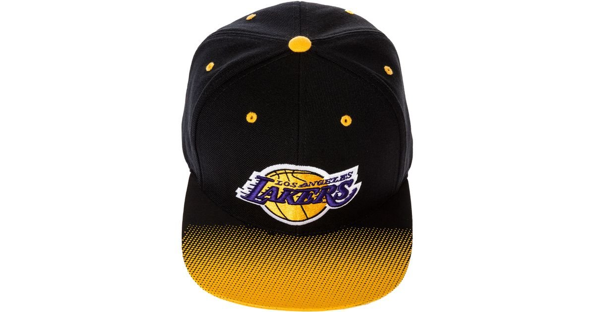 sale retailer c21ba 5206b Lyst - Mitchell   Ness The Los Angeles Lakers Stop On A Dime Snapback in  Black for Men