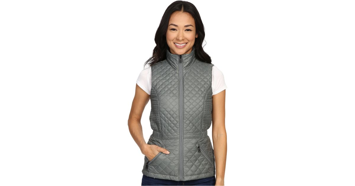 d1e1d98a1c64 Lyst - The North Face Insulated Luna Vest in Gray