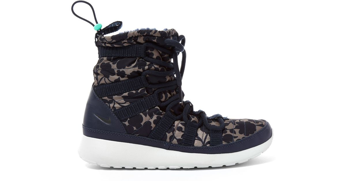 buy online 955e5 f3160 Nike Obsidian Cameo Print Roshe One Hi-top Trainers in Blue - Lyst