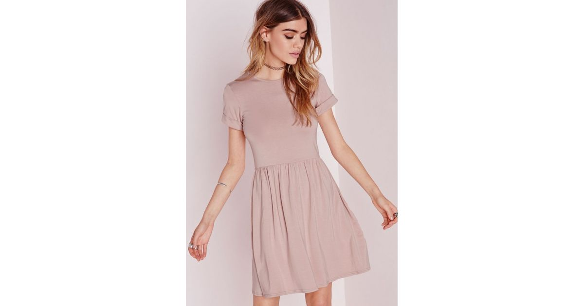 Missguided Jersey T-shirt Skater Dress Nude in Pink - Lyst bb22e4357293