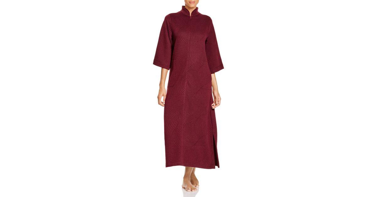 e5776f7600 Lyst - Natori Banu Quilted Zip Robe in Red