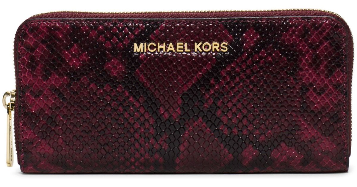 0c328f6385e7 Michael Kors Jet Set Travel Embossed-leather Continental Wallet in Red -  Lyst