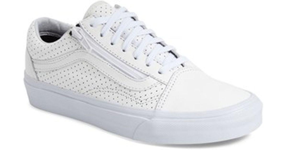 69291f3a16 Lyst - Vans Old Skool Zip Low-Top Sneakers in White
