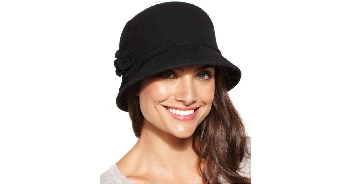 4e6ac2ffa8b1a Nine West Felt Cloche Hat With Flower in Black - Lyst