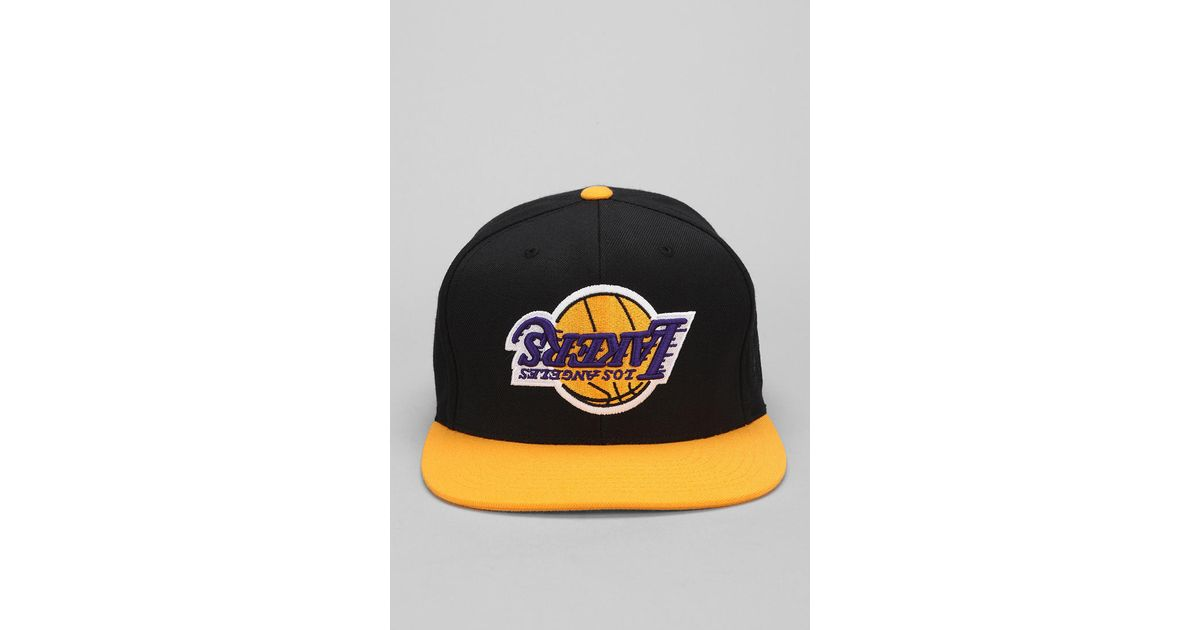 380c59f01ad88 Hall of Fame X Mitchell Ness Lakers Upsidedown Snapback Hat for Men - Lyst