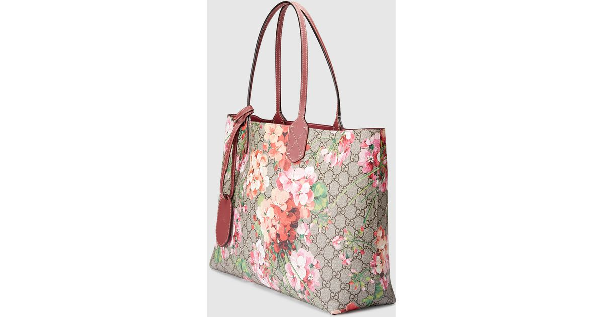 858ca0ff1e6 Lyst - Gucci Reversible Gg Blooms Leather Tote