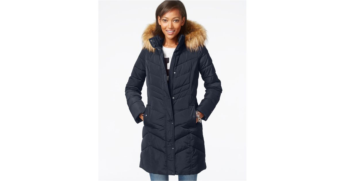 437c18ad Tommy Hilfiger Faux-fur-trim Chevron Quilted Coat in Blue - Lyst