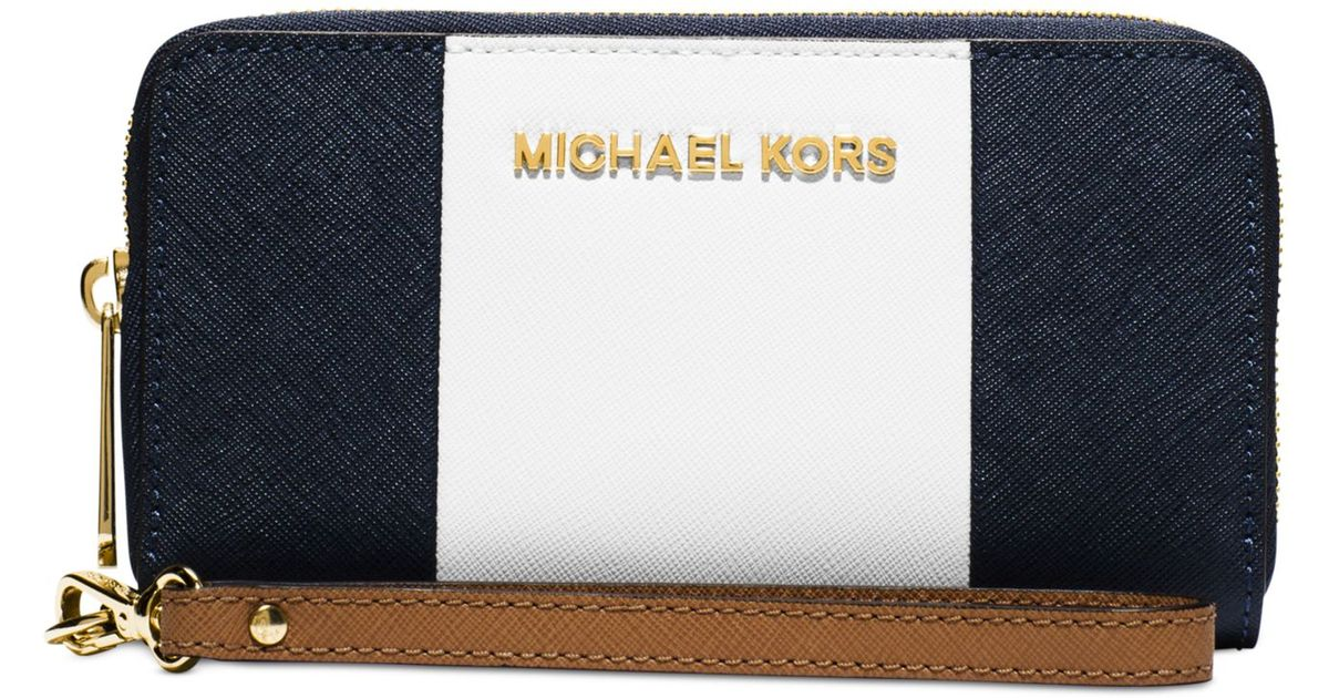 cdde13a2dc9c Lyst - Michael Kors Michael Jet Set Travel Center Stripe Large Coin  Multifunction Wallet in Blue