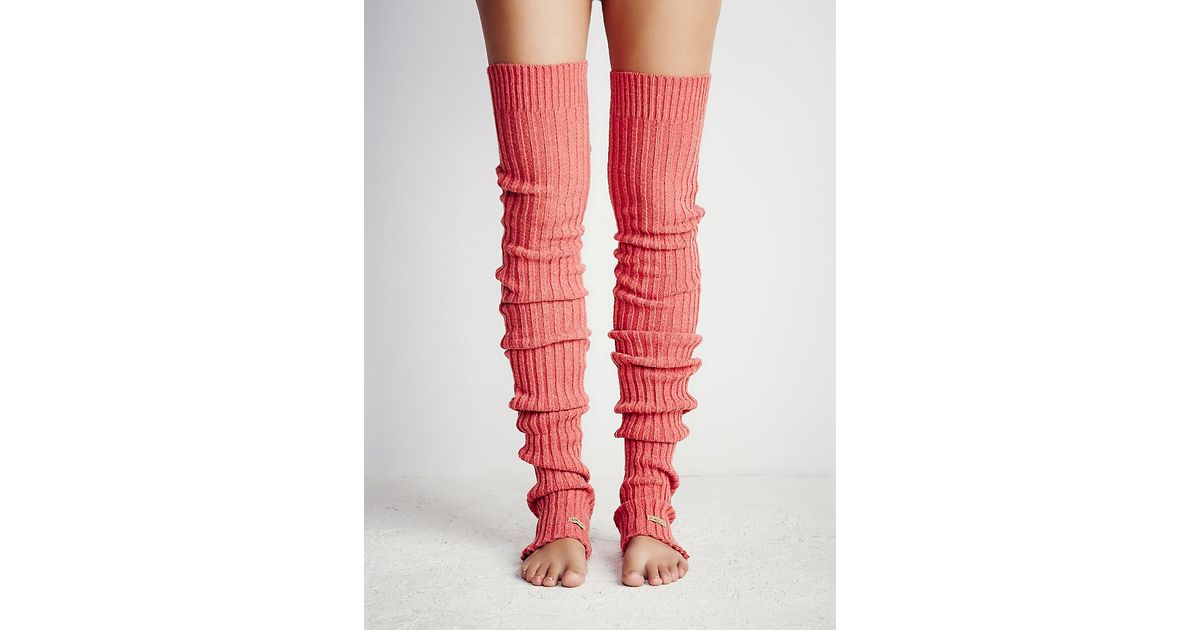 e1a57059a Free People Pirouette Leg Warmer in Pink - Lyst