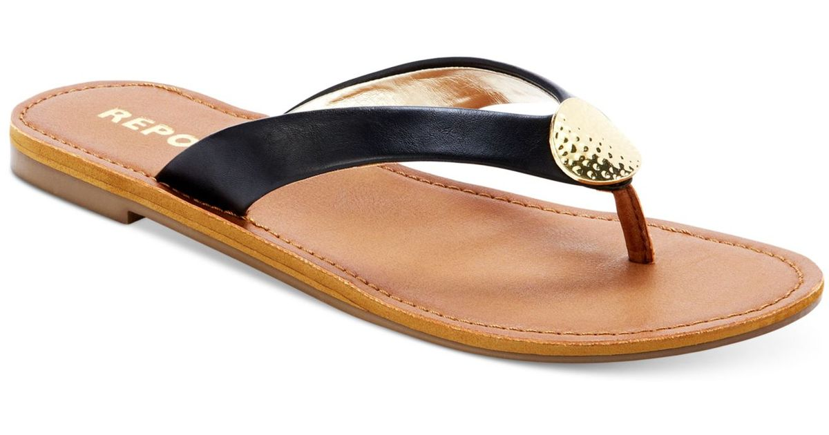 6beae4c36561 Lyst - Report Shields Flat Thong Sandals in Black