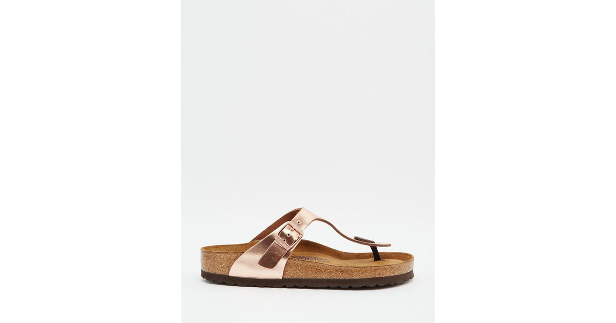 0e99522f205f Lyst - Birkenstock Gizeh Metallic Copper Slider Flat Sandals in Pink