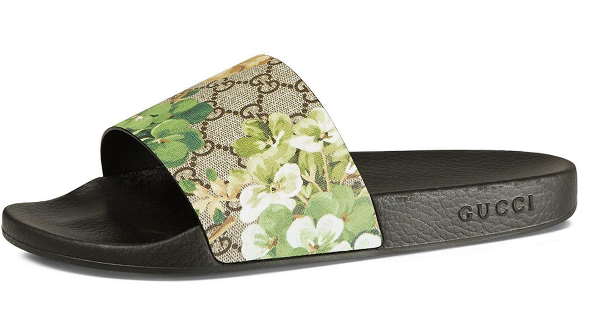 5457c70392c Lyst - Gucci Pursuit Blooms Printed Sandal