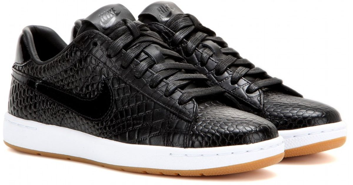 competitive price d6664 58edf Nike Tennis Classic Ultra Premium Leather Sneakers in Black - Lyst